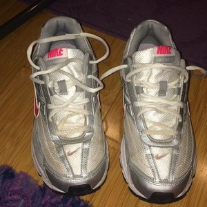 Nike Initiator Sneakers